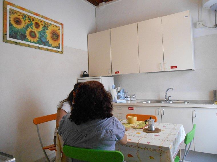 La casa alloggio l isola che c associazione pisana for Casa alloggio